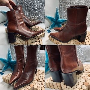NINE WEST Brown Boots Pointy Toes Sz 5.5M Heeled
